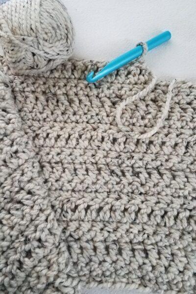 Using DC crochet stitch to make a blanket