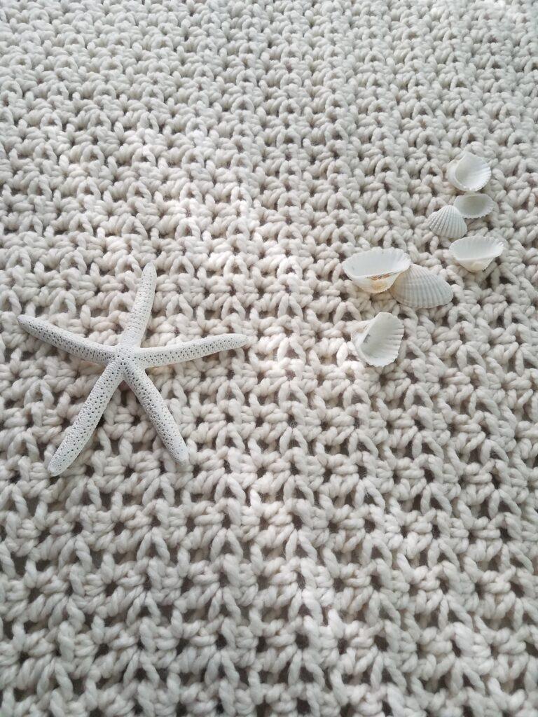 Seaside Daisy Crochet Chunky Throw